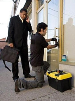 24 Hours EMergency Locksmith Services by multisystemslocksmith.ca